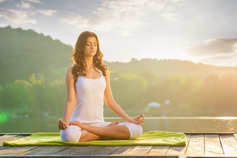 ヨガの効果は最強!yogaダイエットの痩せるポーズと呼吸法