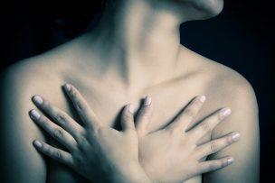 胸を小さくする方法
