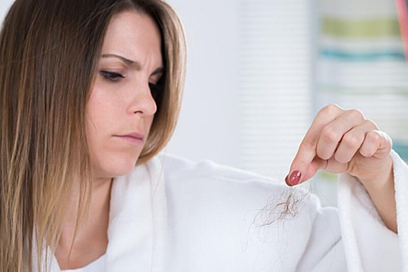 シャンプーが原因で髪の毛が抜ける