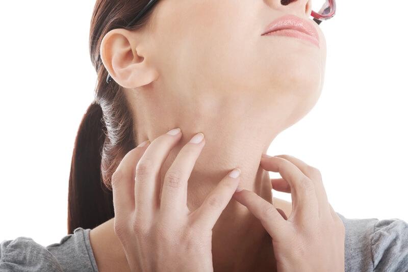 首ニキビのしこりが痛い