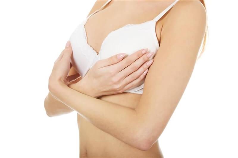 乳首が黒い原因と乳首をピンクにする方法6選!