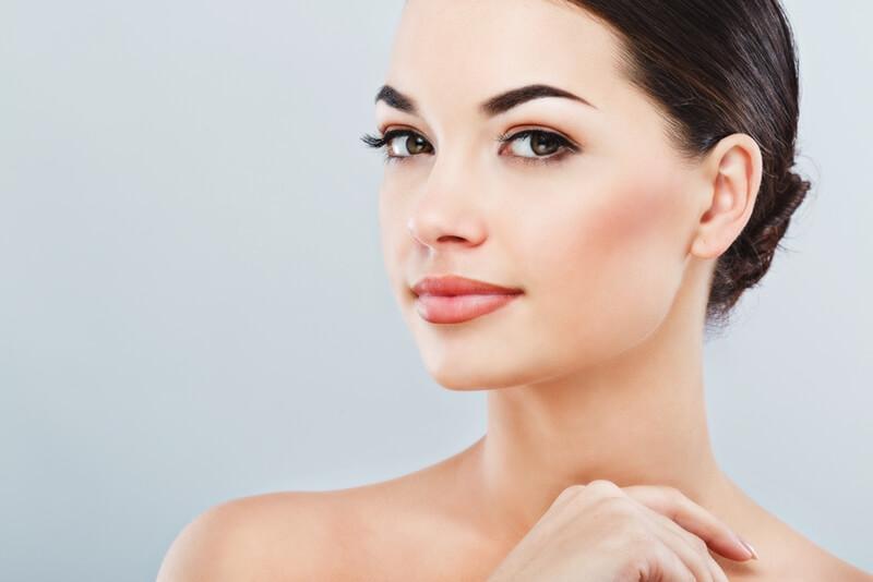 眉毛の形の種類と整え方や作り方!まゆ毛で簡単イメチェン