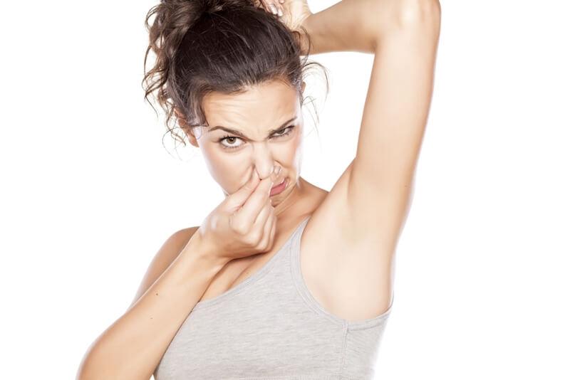 脇の臭いの原因と抑える対策!制汗剤の選び方も要チェック