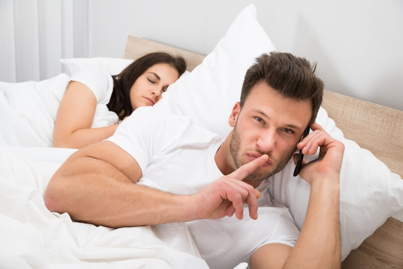 浮気を防止する方法5選!彼氏や旦那の浮気の心理や原因とは?
