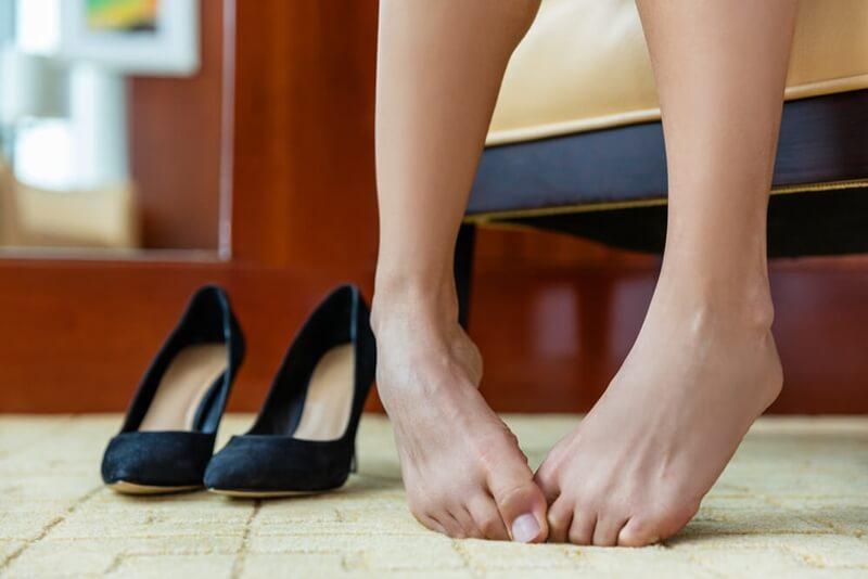 足が臭い原因と対策
