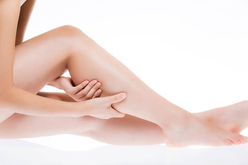 足のむくみを解消する方法